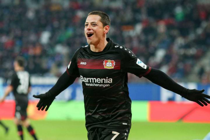 Chicharito con el Bayer Leverkusen