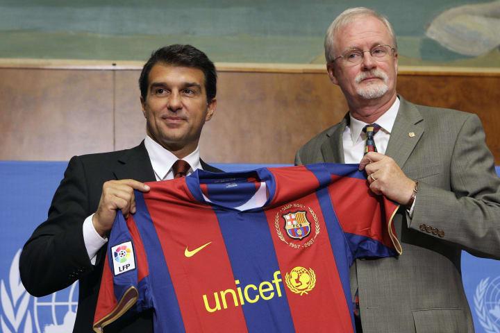 F.C Barcelona President Joan Laporta (L)