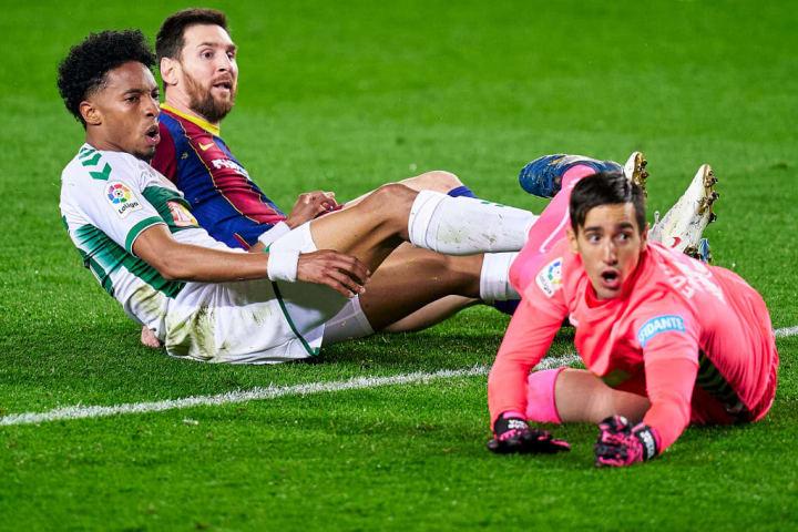 Lionel Messi, John Mojica