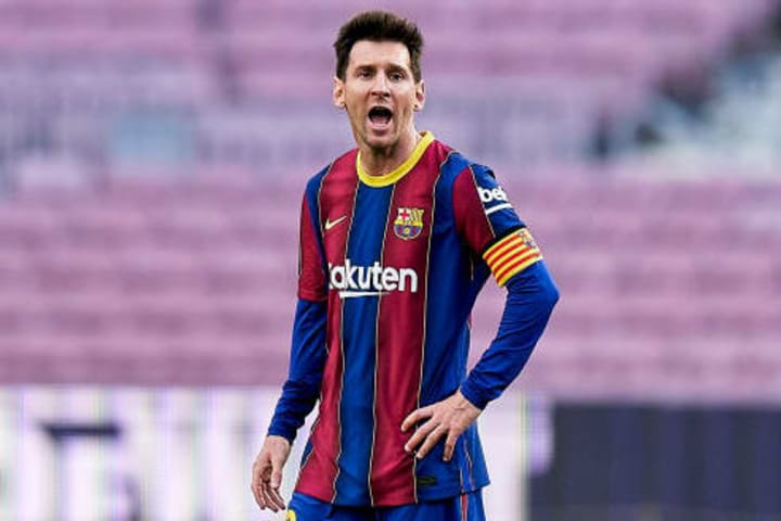Barcelona hope signing Aguero could prompt Lionel Messi to sign a new contract