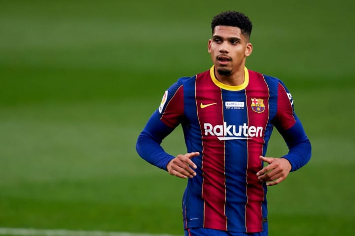 21-year-old Ronald Araujo has impressed Farre in defence this season