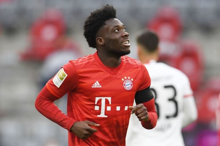 Alphonso Davies in action for Bayern Munich