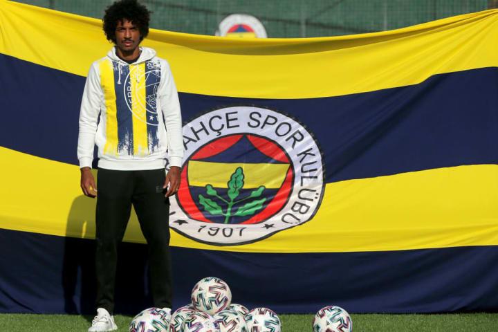 Fenerbahçe Turquia Luiz Gustavo Volante Brasileiro David Luiz