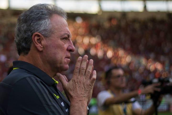 Abel Braga Flamengo Técnico Renato Portaluppi Era Grêmio