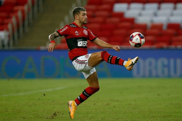 Giorgian De Arrascaeta Flamengo Meia Estrangeiro Futebol brasileiro