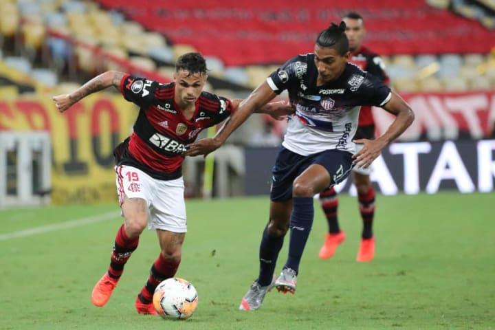 Michael Flamengo Mercado Atlético-GO