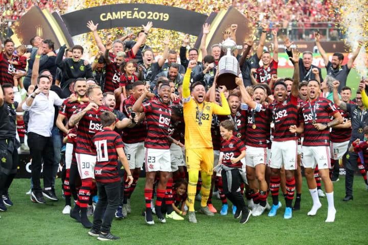 Diego Alves, Everton Ribeiro, Diego