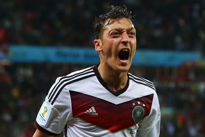 Mesut Özil trat nach der WM 2018 zurück