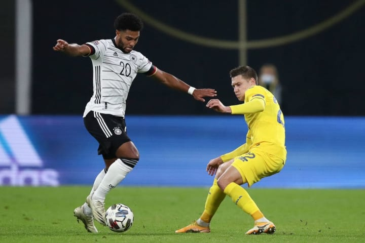 Serge Gnabry became the fastest player to score ten goals for Germany in October 2019 (11 caps)