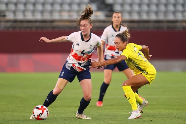 Keira Walsh started in the midfield