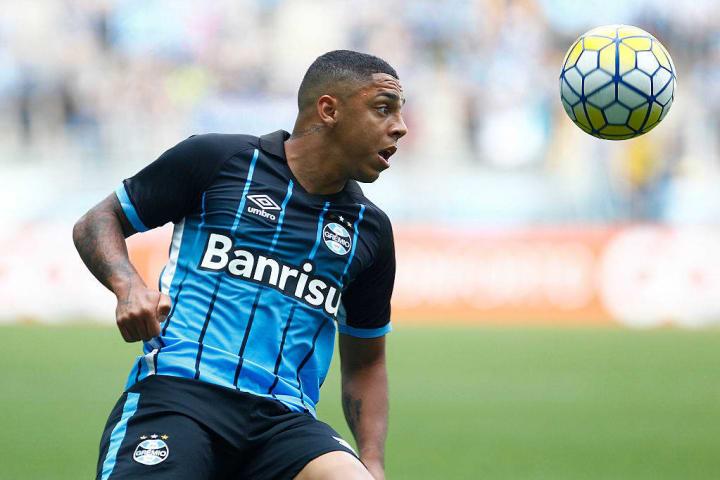 Wallace Oliveira, Tony