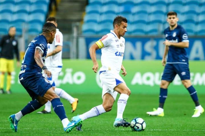 Miky Arroy, Henrique Grêmio Cruzeiro Rivalidade