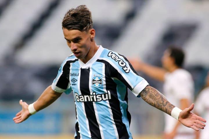 Ferreira Atacante Pressão Grêmio Gre-Nal Protagonismo Campeonato Brasileiro