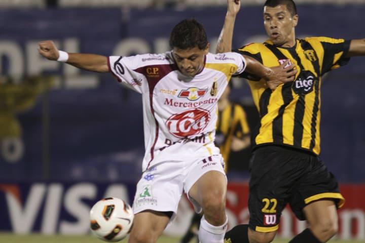 Pablo Giménnez Atacante Paraguaio Cerro Atlético-MG