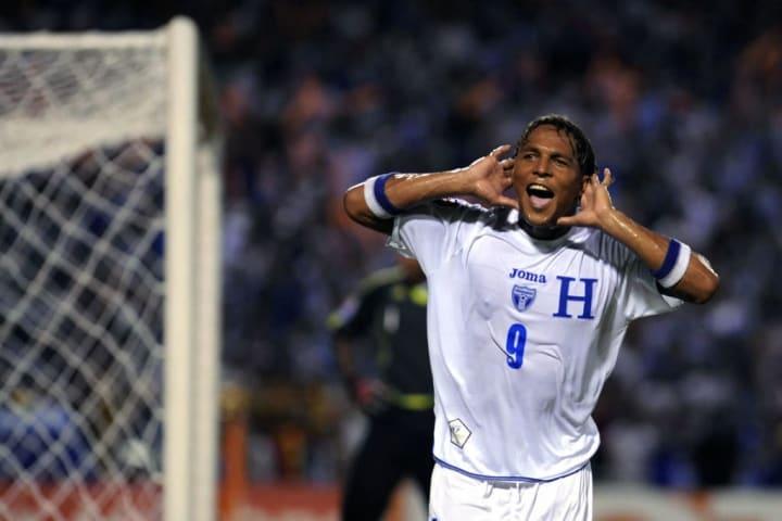 Honduran Carlos Pavon celebrates after s