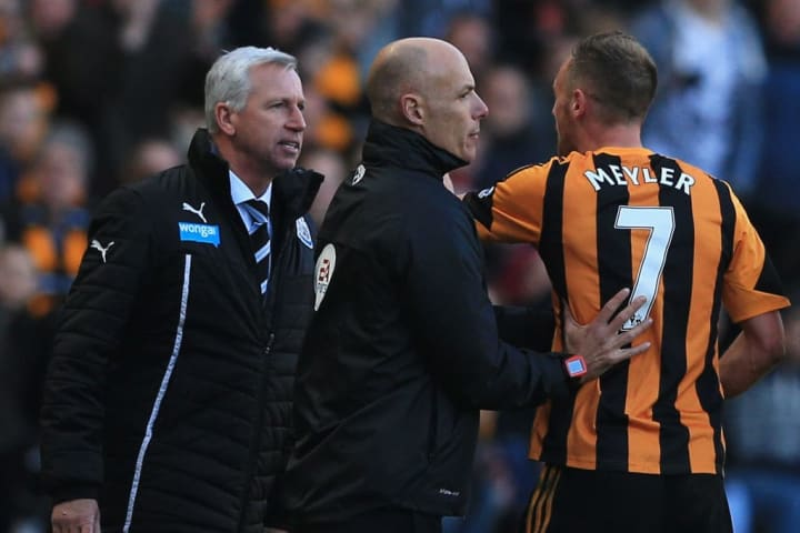 Alan Pardew, David Meyler, Howard Webb