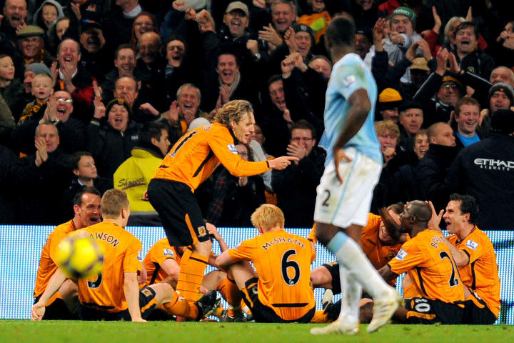 Hull City's English midfielder Jimmy Bul