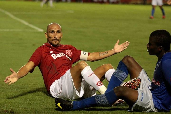Internacional Libertadores História Argentino Guiñazu