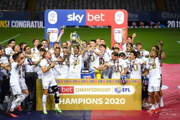Leeds United v Charlton Athletic - Kejuaraan Sky Bet
