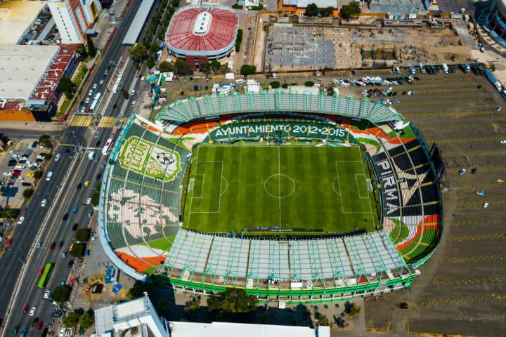 Estadio León, ubicado en León, Guanajuato, México. Capacidad para 31 mil aficionados