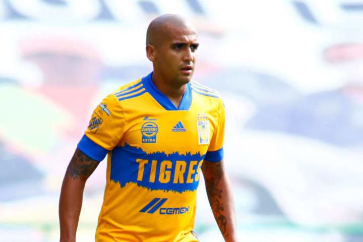 Leon v Tigres UANL - Torneo Guard1anes 2020 Liga MX