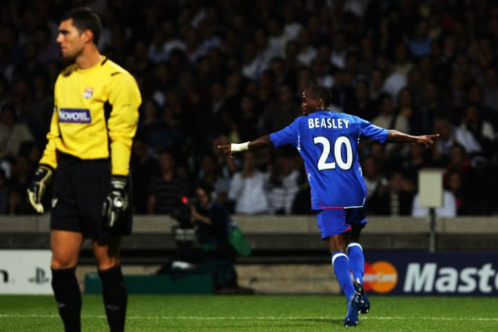 DaMarcus Beasley, Remy Vercoutre