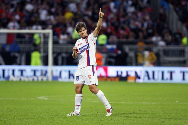 Lyon's Brazilian midfielder Juninho cele