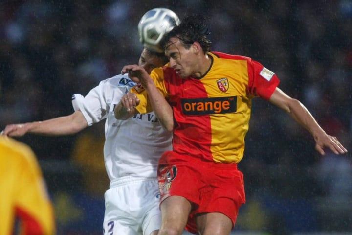 Jérémie Bréchet et Daniel Moreira disputent un duel aérien lors de ce match mémorable