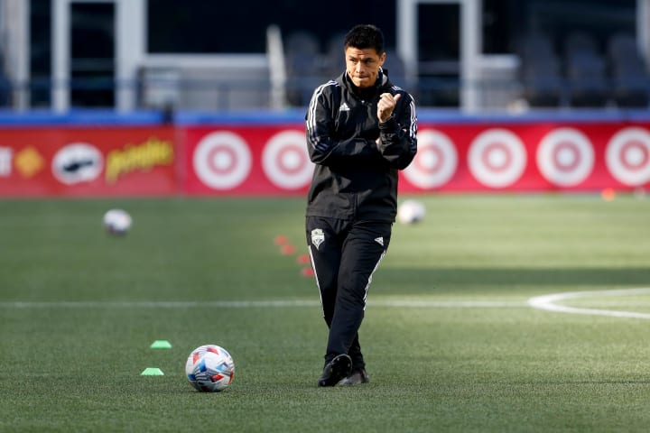 Gonzalo Pineda has not been able to take the reins yet