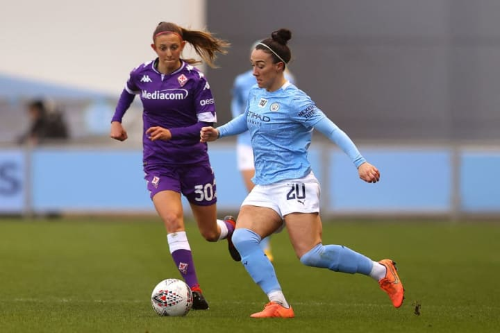 Lucy Bronze, Michela Catena