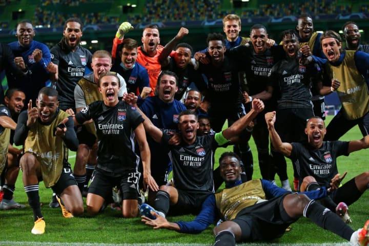 Les Lyonnais après la victoire face à Manchester City.