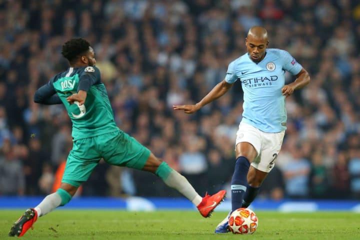 Fernandinho Danny Rose Gol fora Uefa Champions League