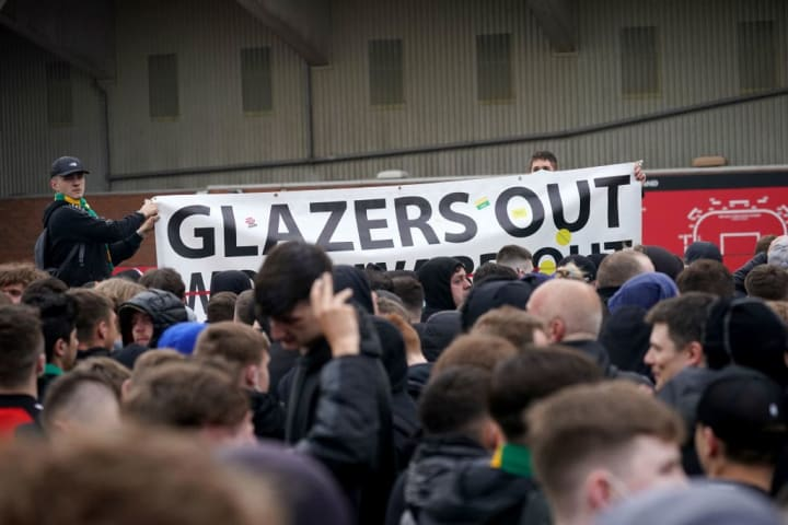 Manchester United fans protest against the Glazer family ownership