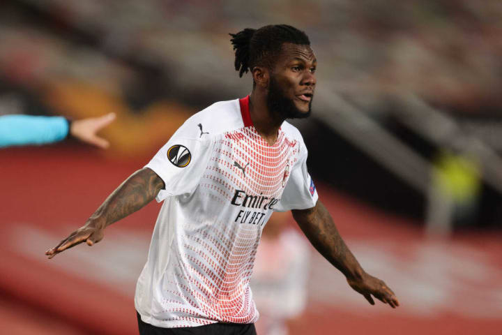 Franck Kessie almost handed AC Milan an early lead against Manchester United