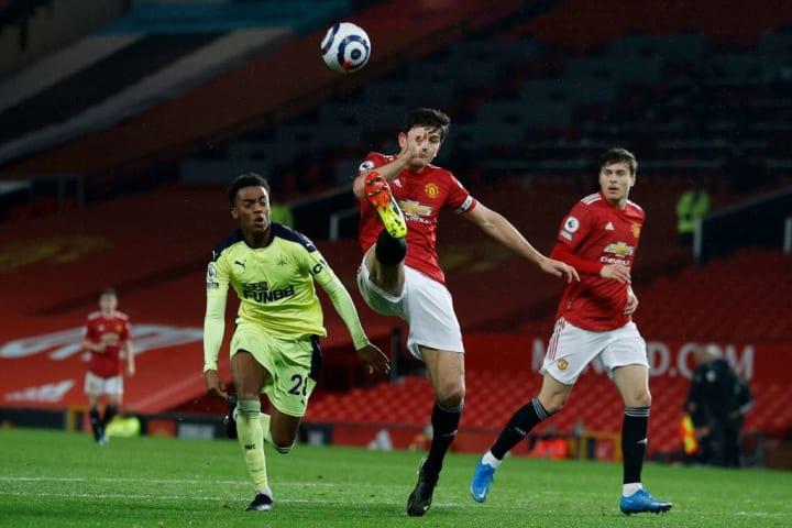 Maguire clears under pressure from Willock