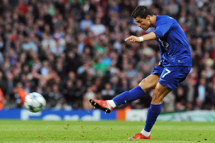 Cristiano Ronaldo's stunning free-kick vs Arsenal in 2009