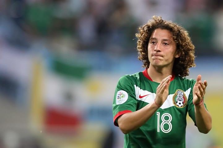 Mexican defender Andres Guardado applaud