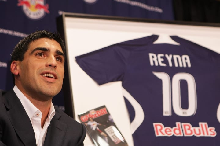 New York Red Bull Claudio Reyna Announces Retirement