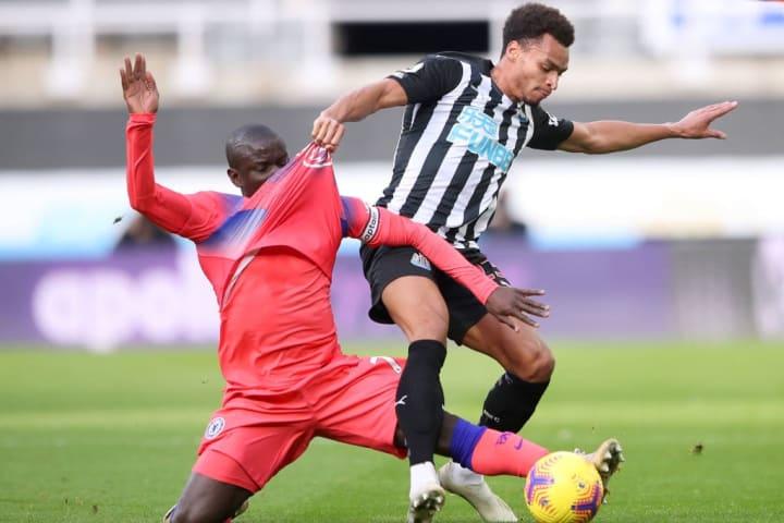 N'Golo Kante challenges Jacob Murphy