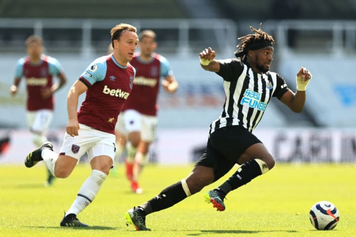 Mark Noble looks to track Allan Saint-Maximin