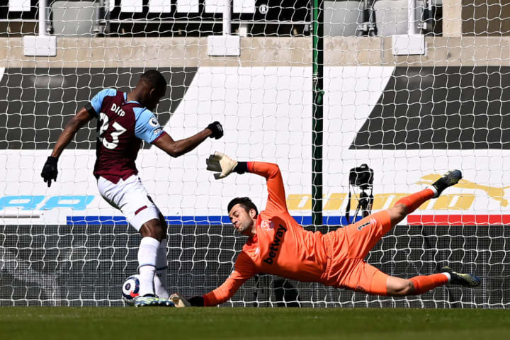 Issa Diop and Lukasz Fabianski cost West Ham the first goal of the game