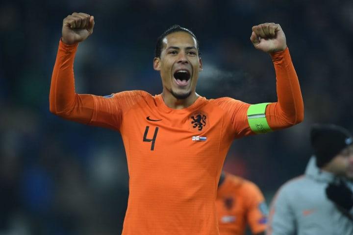 Virgil van Dijk Holanda Eurocopa Título Zagueiro