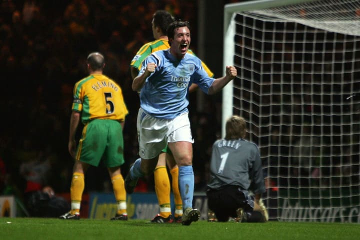 Robbie Fowler grabbed a 90th minute winner for City