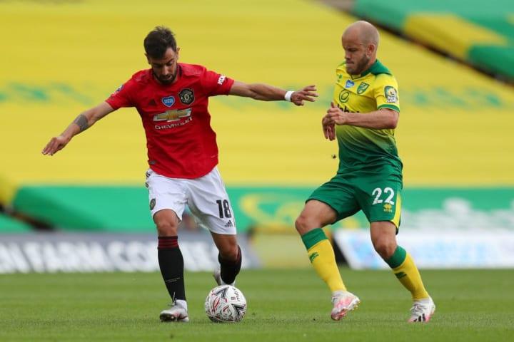 Manchester United's Bruno Fernandes (left).