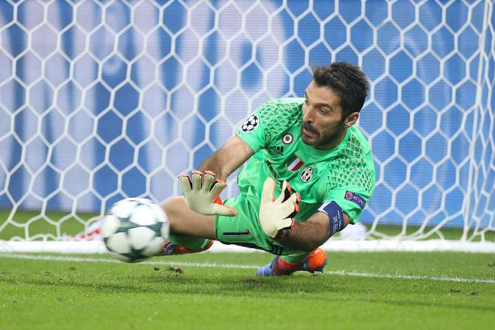 Buffon menghasilkan tampilan Man of the Match melawan Lyon