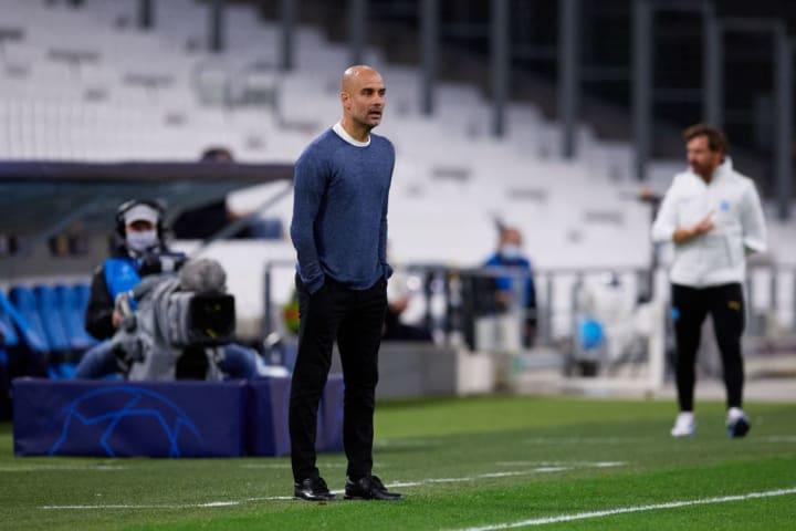 Guardiola se aproxima de acordo com o Manchester City.