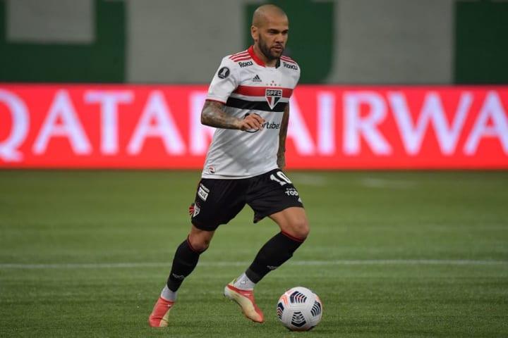 Dani Alves São Paulo  Mercado Flamengo