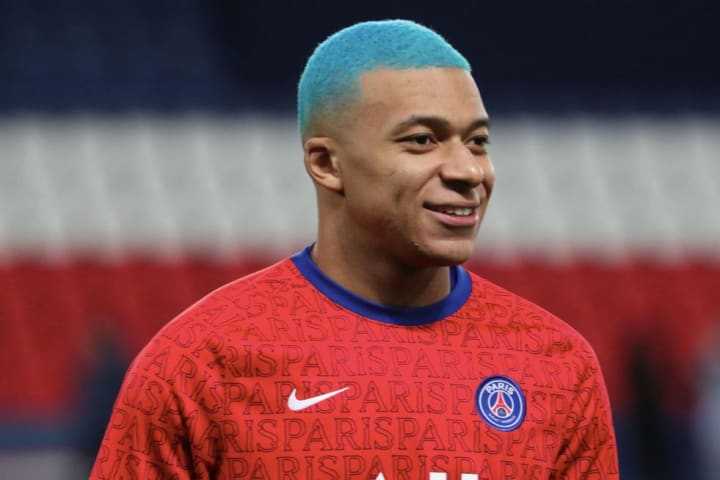 Paris Saint-Germain v FC Lorient - Ligue 1