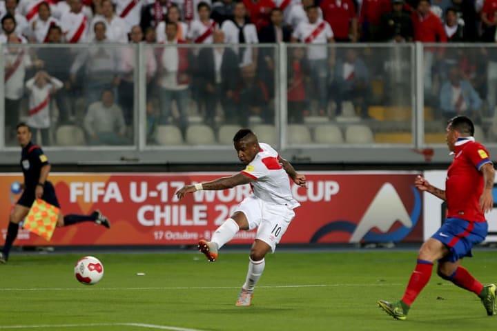 Jefferson Farfan Pèru Chile Rivalidade