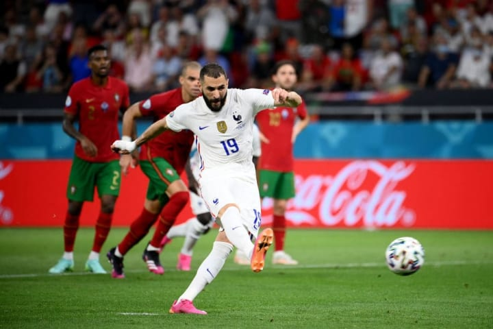Benzema converts his penalty